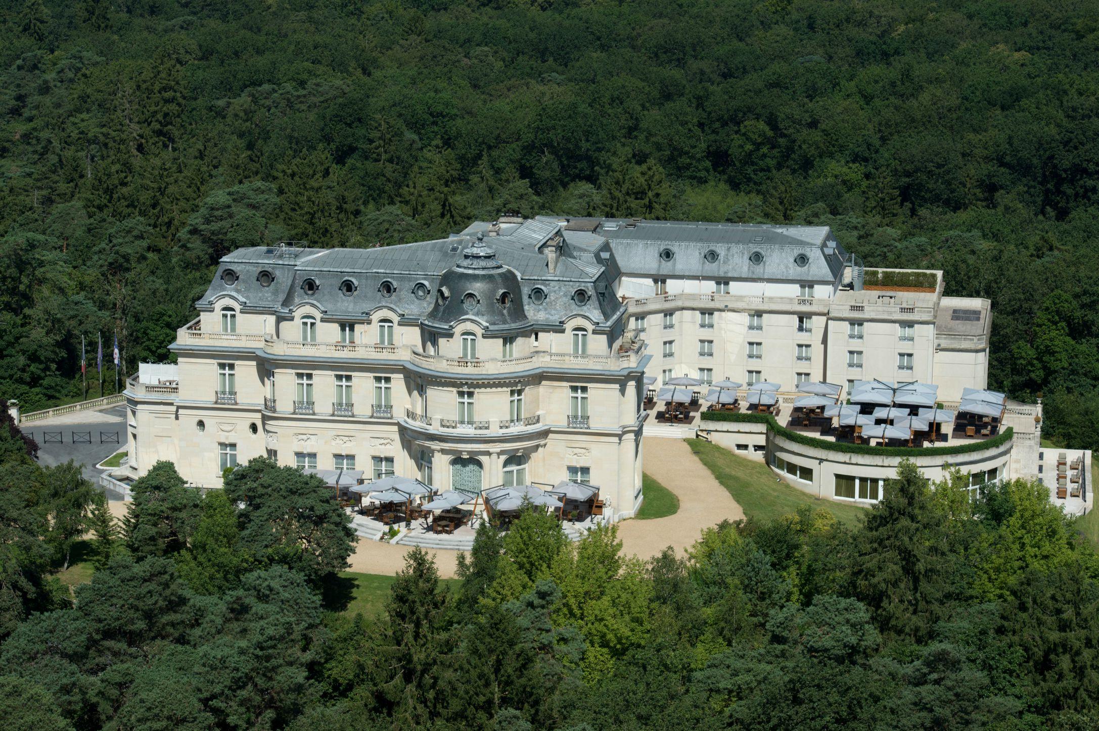 tiara-chateau-hotel-mont-royal-chantilly-s